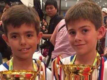 Miguel del Aguila Hernández y Oscar Mira Escrig, campeones del mundo de cálculo con ábaco