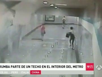 Se desploma el techo de una estación de metro en China