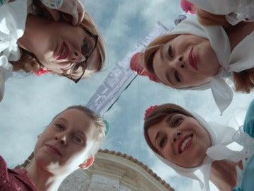 Las chicas buscan enlos alfileres de San Antonio los novios que les van a salir