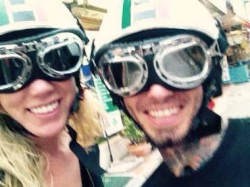 Samantha Theobald y Adam Hobbs