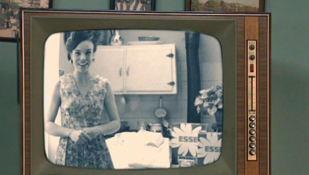 María en el anuncio de televisión