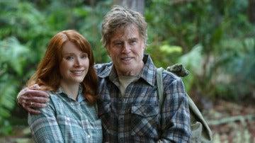 Robert Redford protagoniza junto con Bryce Dallas Howard 'Peter y el dragón'
