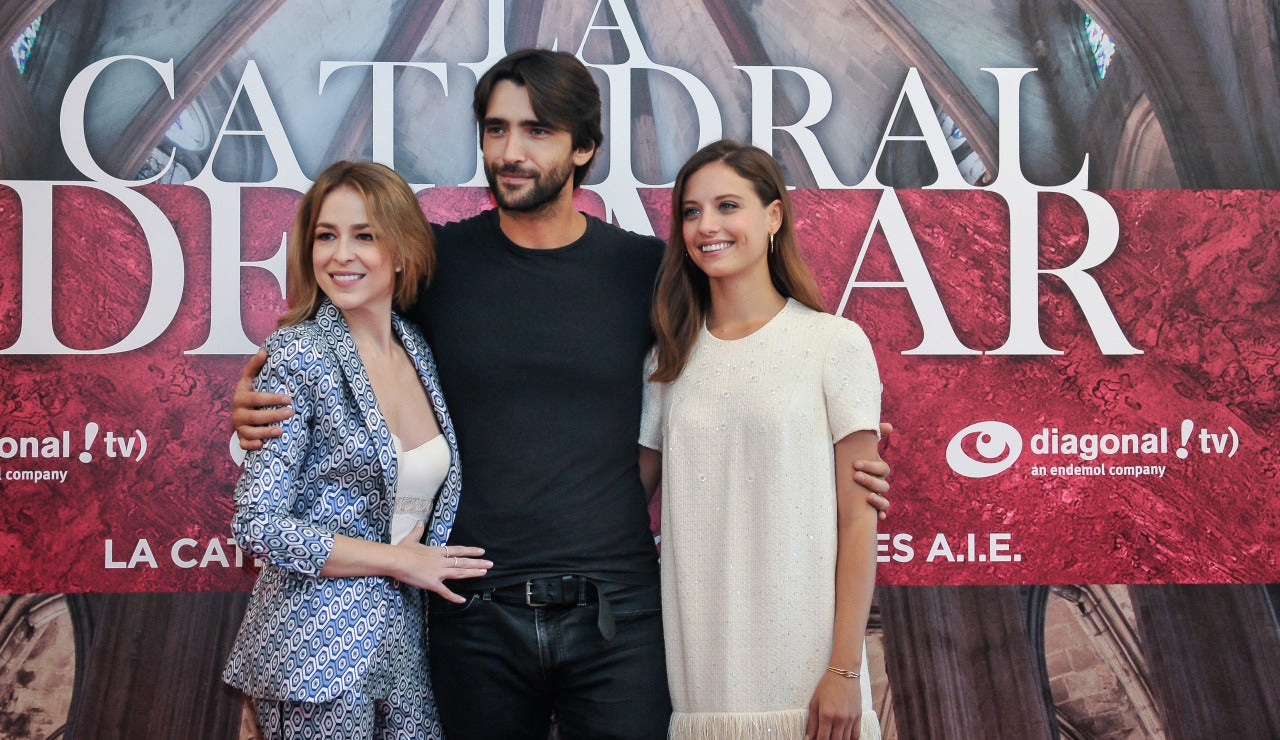 Silvia Abascal, Aitor Luna y Michelle Jenner