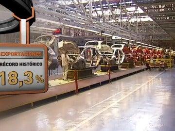 Frame 17.559922 de: Cada vez más marcas eligen fábricas españolas para producir sus coches y marcan un récord de ventas
