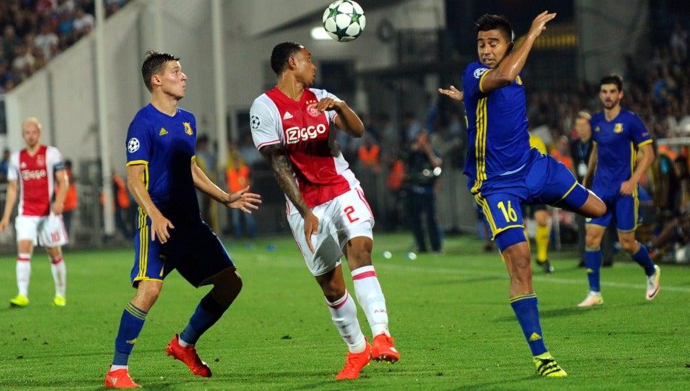 El Ajax cae ante el Rostov (4-1) y no jugará la Champions esta temporada