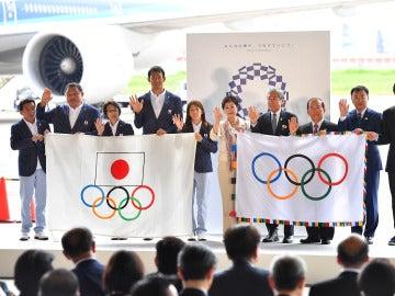 La bandera olímpica llega Tokio
