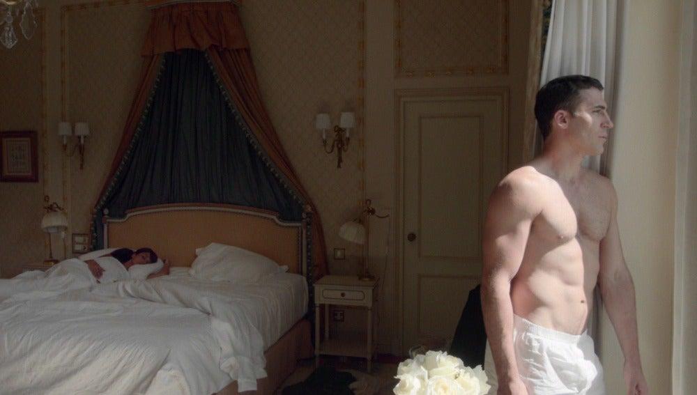 Ana y Alberto despiertan en París tras una increíble noche juntos