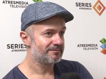 """Tristán Ulloa: """"Los guiones son fantásticos, no escatiman en la crudeza de la época"""""""