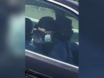 Frame 4.217926 de: Una banda de falsos policías atraca a los conductores en AP-7