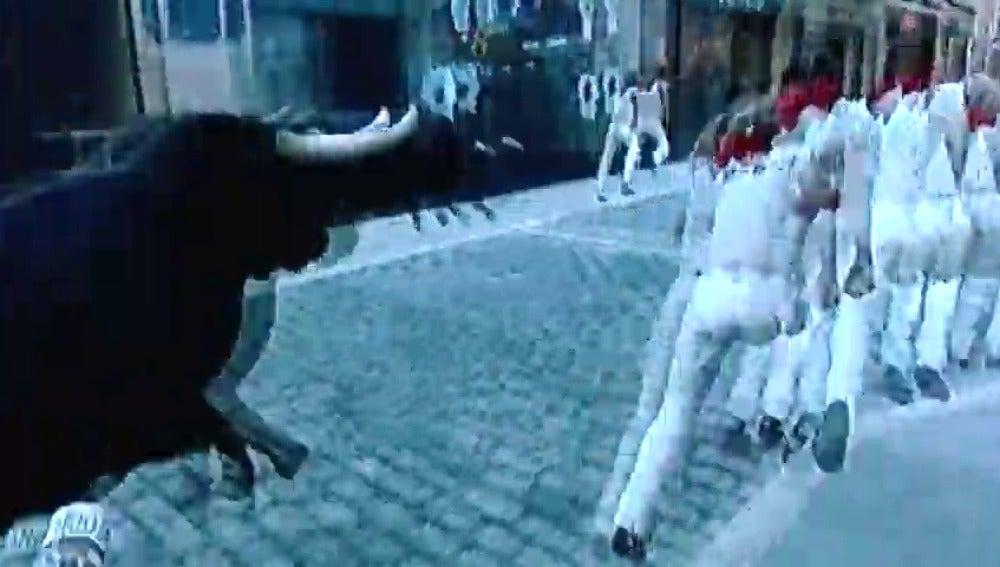 Frame 24.09818 de: Encierros virtuales para aprender a correr delante de los toros