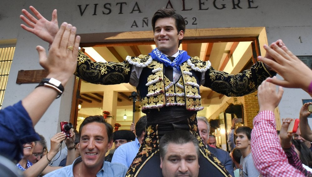 José Garrido sale a hombros en Bilbao