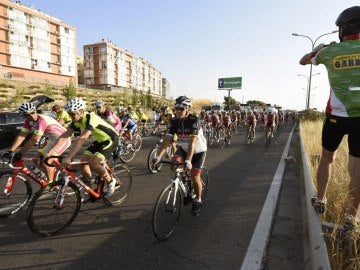 Homenaje en Zaragoza a los dos ciclistas que murieron en un accidente de tráfico