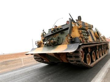 Tanque de la ofensiva turca hacia el DAESH