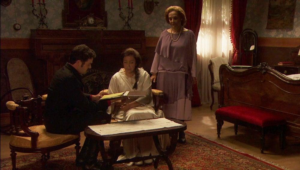 Francisca comienza a entregar sus posesiones a Garrigues