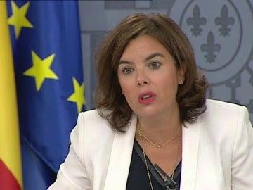 Frame 75.457459 de: Sáenz de Santamaría confía en que las elecciones vascas y catalanas hagan cambiar al PSOE