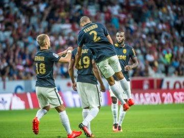 El Mónaco celebra un gol