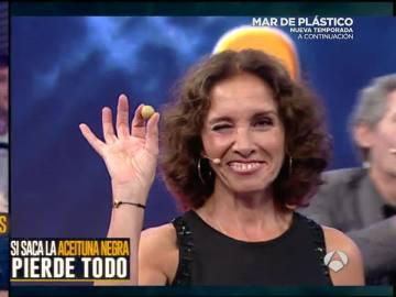 La aceituna verde de Ana Belén lleva la suerte a 'El hormiguero'