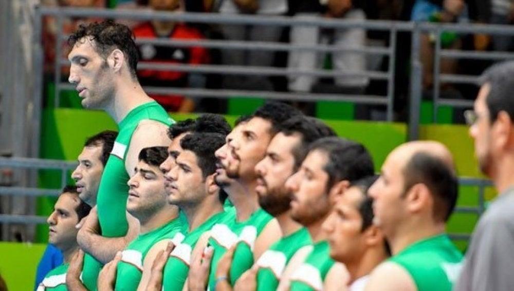 Morteza Mehrzad, un gigante en la selección iraní de sitting volley