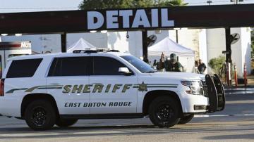 Efectivos policiales acordonan el lugar donde tuvo lugar el ataque en Minesota (EEUU).