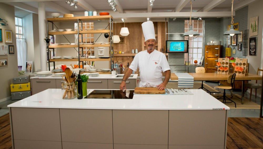 Antena 3 tv as es la nueva cocina de karlos argui ano - Television en la cocina ...
