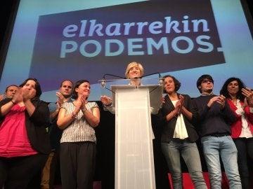 Pilar Zabala, durante su discurso tras conocerse el resultado de las elecciones vascas