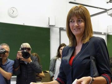 Idoia Mendia ejerce su derecho a votar