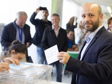 Luis Villares vota en Lugo