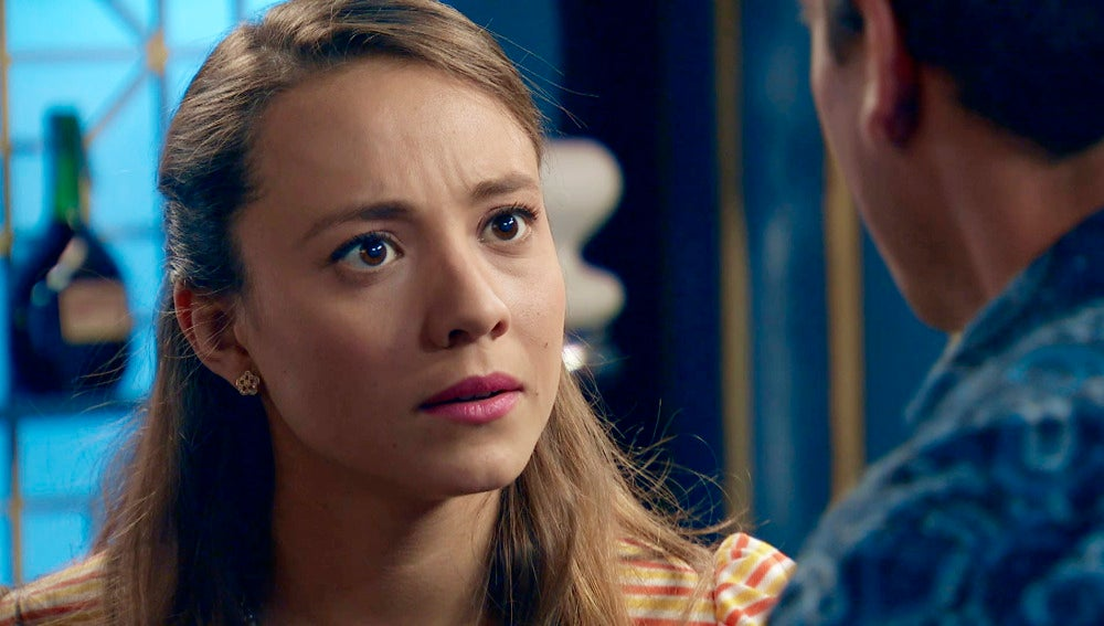 Alba sabe que aún hay sentimientos entre Marta y   Rafael