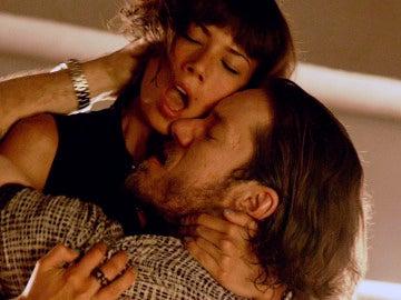 Pilar y Vlad mantienen sexo en el bar