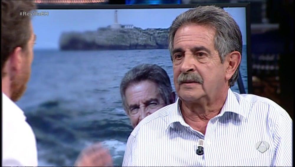 """Frame 32.347398 de: Miguel Ángel Revilla: """"Rouco Varela debería dar más ejemplo cristiano"""""""