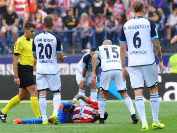 Augusto Fernández, en el momento de su lesión ante el Deportivo