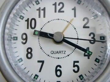Frame 5.411348 de: Los españoles trabajamos más horas, pero producimos menos