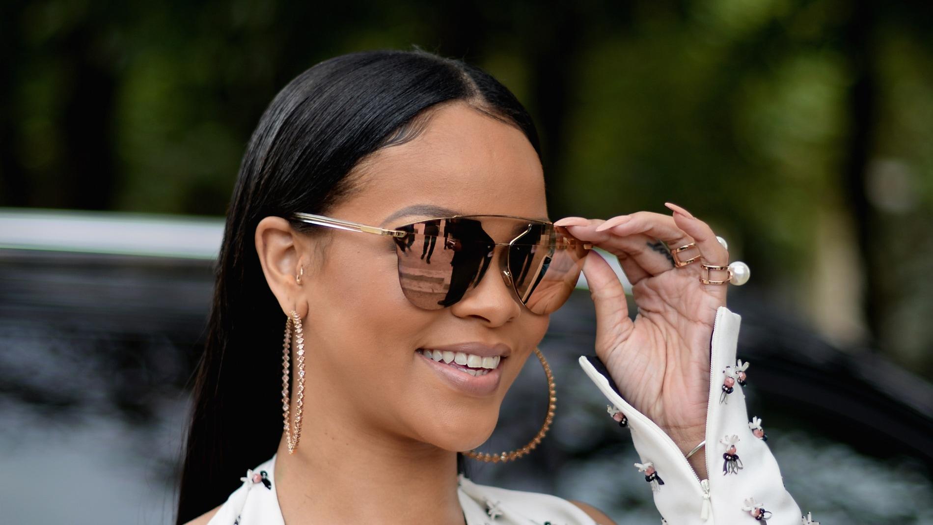 Rihanna en la semana de la moda de París 2016
