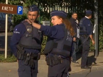 """Frame 7.0 de: La fiscalía de Bruselas informa de un """"posible"""" ataque terrorista contra dos policías"""