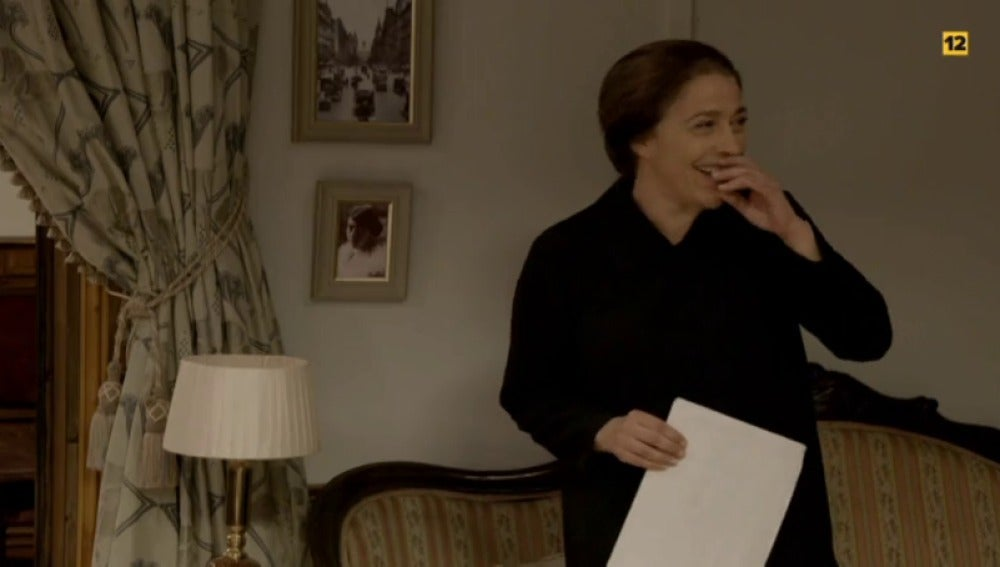 Frame 4.326376 de: Los actores de 'El secreto de Puente Viejo' protagonizan una especial sorpresa