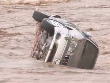 """Frame 9.891324 de: El tifón """"Chaba"""" deja 7 muertos en Corea del Sur y se acerca a Japón"""