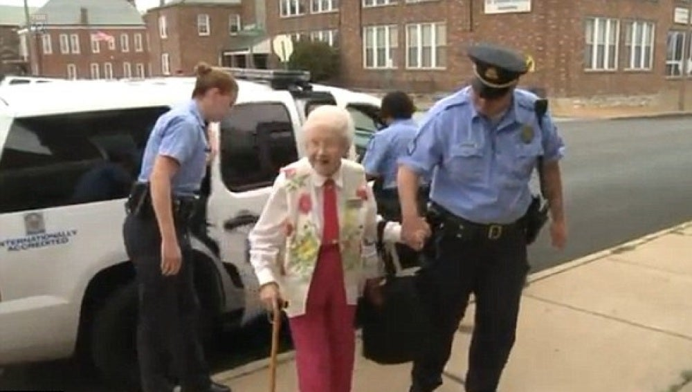 La anciana detenida por voluntad propia