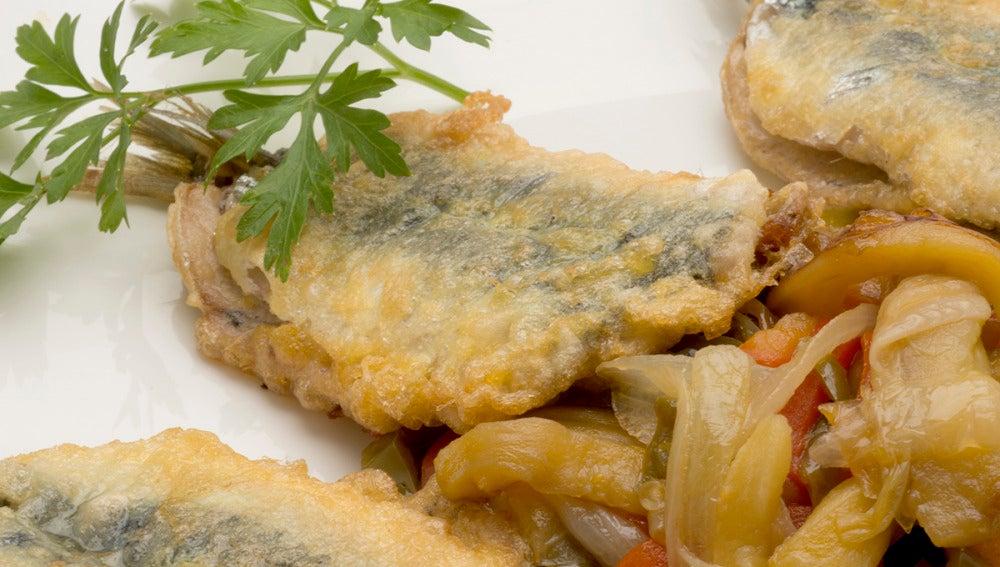 Sardinas rellenas con verduras al azafrán.