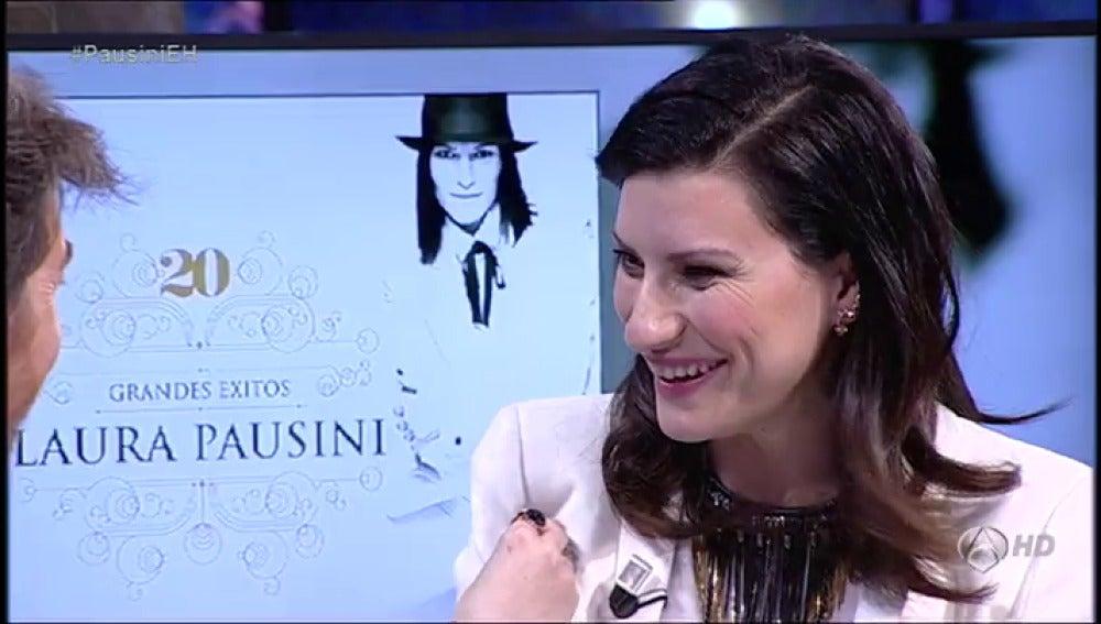 Frame 470.144219 de: Laura Pausini: Ahora me levanto siempre feliz