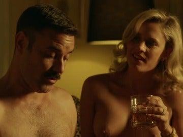 Frame 25.267869 de: Sergio pilla a Agneska y Pablo teniendo sexo