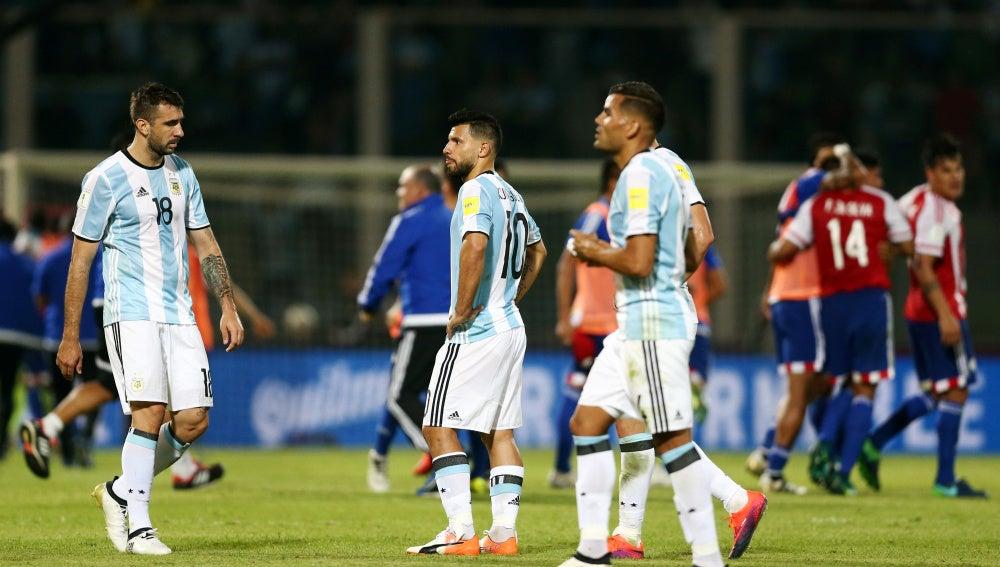 Agüero se lamenta tras la derrota ante Paraguay
