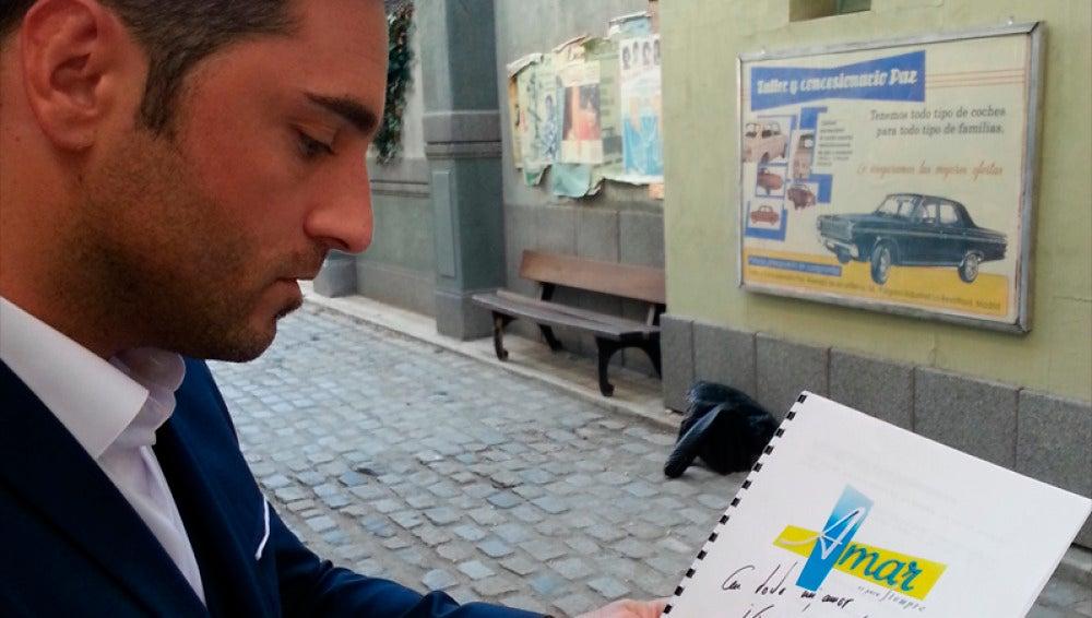 Consigue un guión firmado por Bustamante