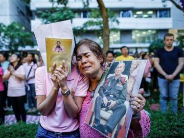 Los tailandeses lloran la muerte de su Rey