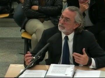 """Frame 20.955743 de: Correa reconoce que cobraba mordidas: """"Yo me quedaba una parte y la otra se la daba a Luis Bárcenas"""""""