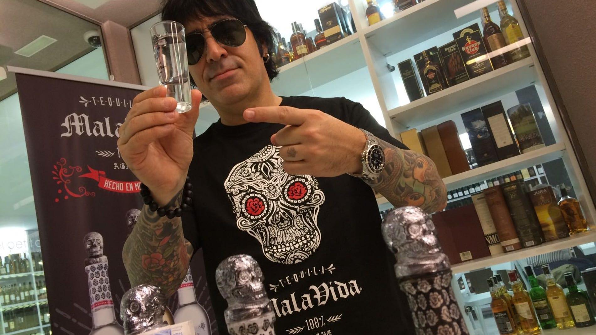 Alex González, bateria de Maná.