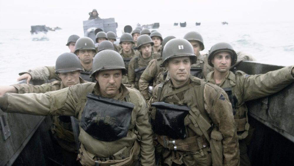 Tom Sizemore y Tom Hanks en 'Salvar al soldado Ryan'