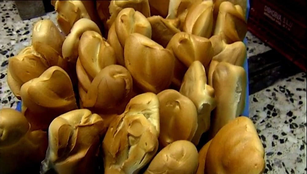 Frame 0.536987 de: Cada español consume 35 kilos de pan al año