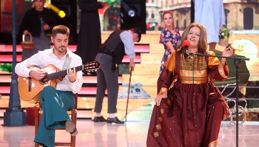 Yolanda Ramos imita a María Ostiz cantando 'Un pueblo es'