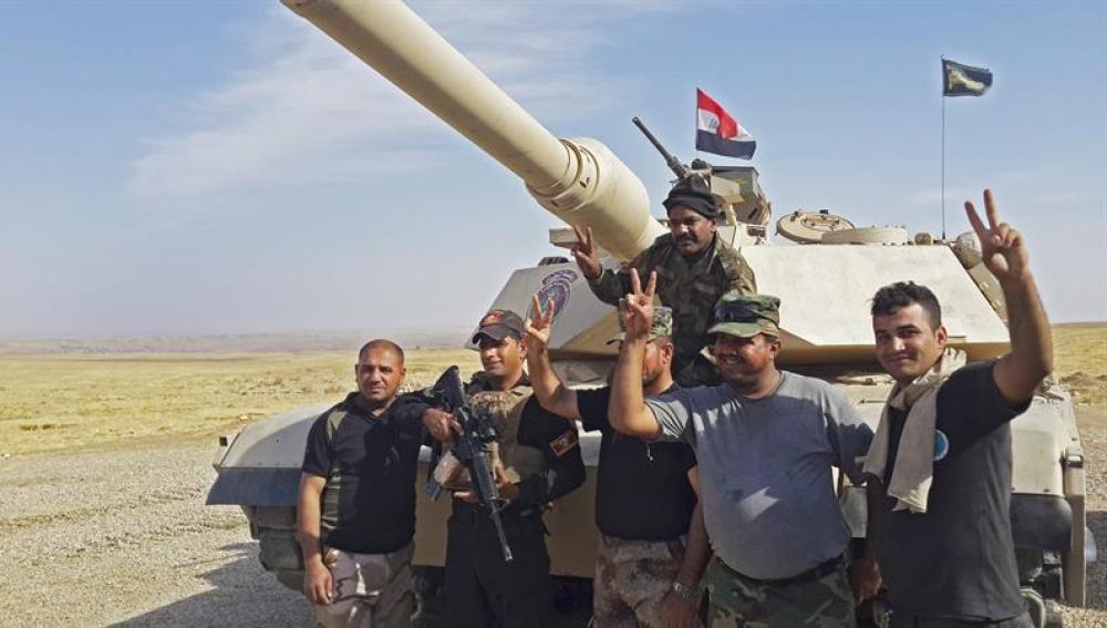 Las fuerzas iraquíes en la comarca de Al Hamdaniya