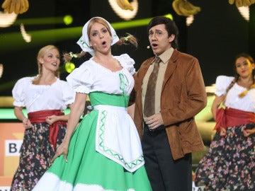 Canco Rodríguez y Ruth Lorenzo imitan a Juan Aguilé y Juanita Banana
